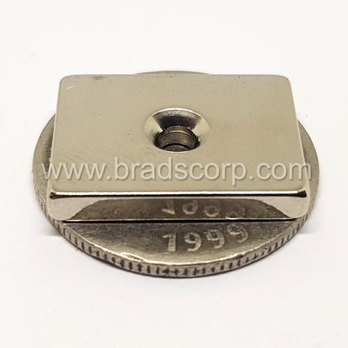 NdFeB 20mm L * 15mm W * 3mm H / d4.1mm