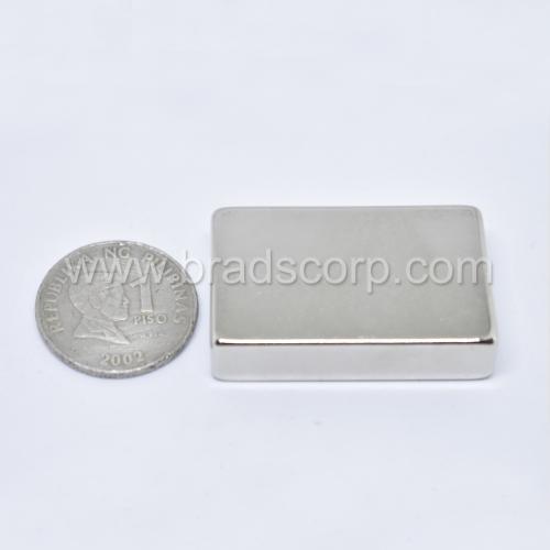 NdFeB 40mm L * 25mm W * 10mm H
